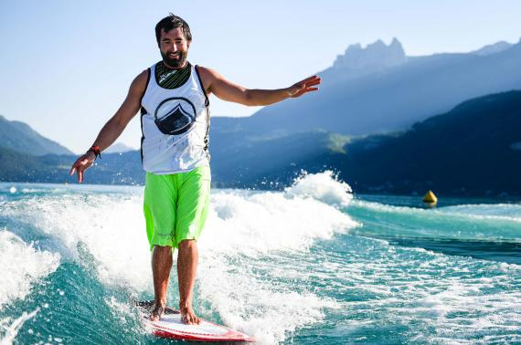 wakeboard lac Annecy club nautique Doussard