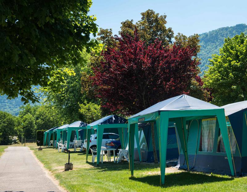 Camping l 39 id al lathuile lac annecy for Camping annecy avec piscine
