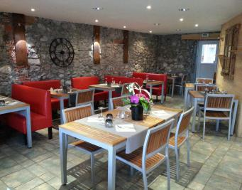Doussard restaurant traditionnel salle