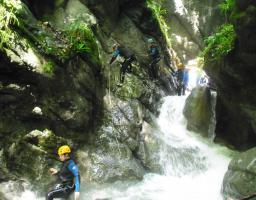 Lac Annecy centre de canyoning Montmin fbi