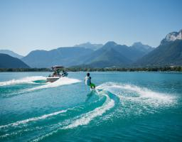 Lac Annecy baby ski nautique